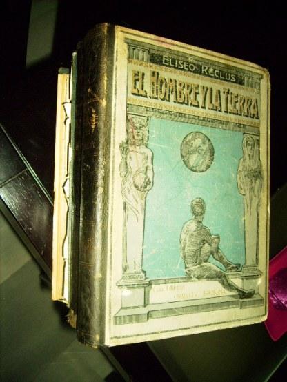 """Tomos de la edición """"El hombre y la tierra"""""""